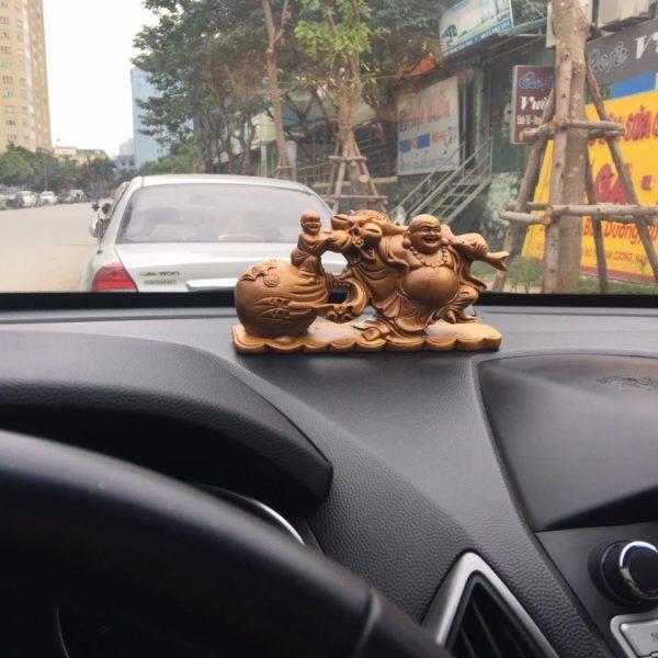 tượng để xe ô tô